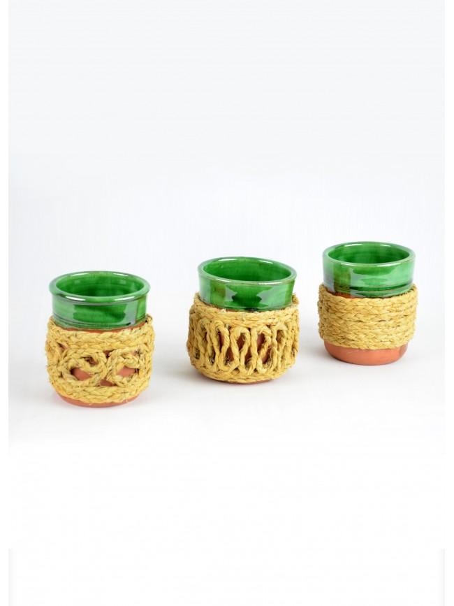 Vaso de cerámica forrado de esparto.