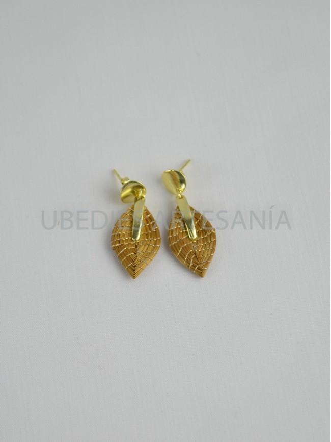 Leaf earrings.
